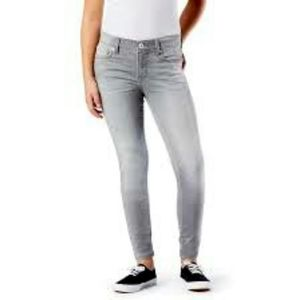 🌸Levi's Girls Knit Jean